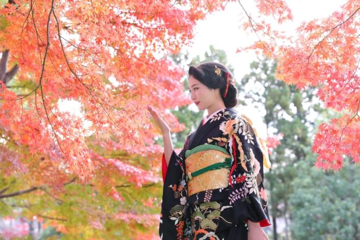 成人式_日本庭園紅葉ロケーション